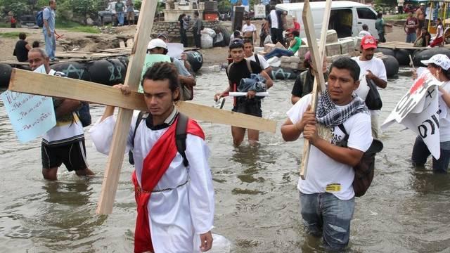 Immigranten demonstrieren gegen Gewalt in Mexiko