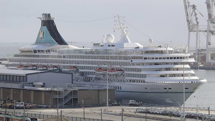 """Unter Coronavirus-Verdacht in Fremantle blockiert: Das deutsche Kreuzfahrtschiff """"Artania"""" hat auch 28 Schweizer an Bord."""