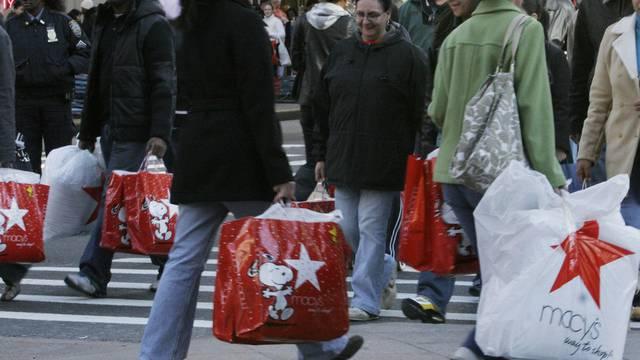Amerikaner kaufen ein (Symbolbild)