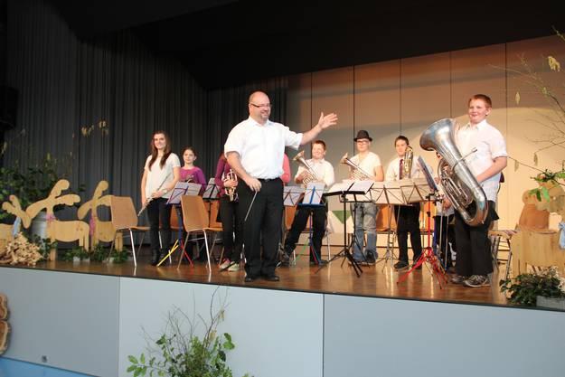 Thomas Hauri sorgt mit seinen Jungbläsern für die musikalische Unterhaltung