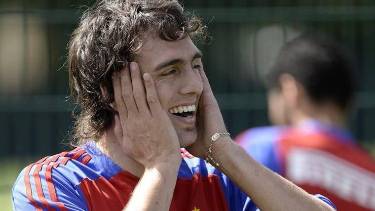Rückkehrer Matias Delgado freut sich bei seiner Rückkehr.