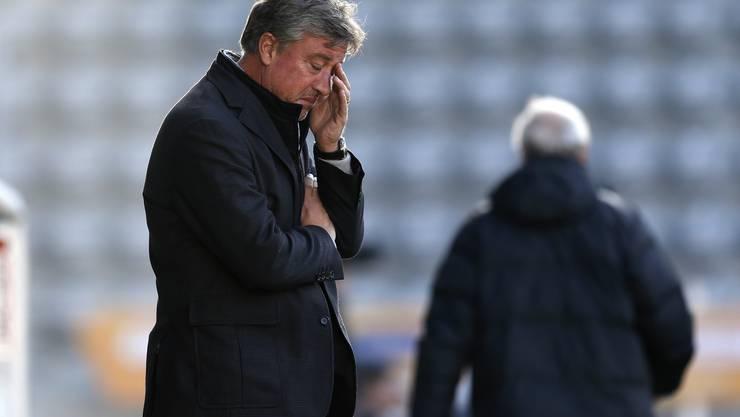 Die Leistungen des FCA sorgen bei Marco Schällibaum für Kopfzerbrechen.