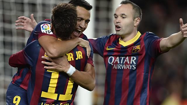 Neymar, Sanchez und Iniesta (v.l.) bejubeln das Siegestor