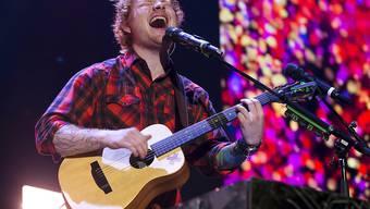 """Der 24-jährige Sänger Ed Sheeran will """"endlich die Welt bereisen"""". (Archivbild)"""