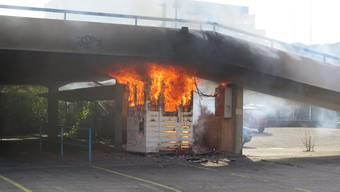 Brand Holzhäuschen Muttenz 12.10.2015