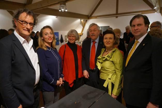 Von links: Badens Stadtammann Gerri Müller und Partnerin Annina Sonnenwald, Kathrin und Rolf Steiner sowie das Paar von Habsburg Lothringen.