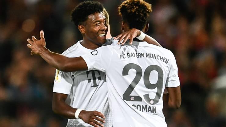 David Alaba gratuliert Kingsley Coman zum 2:0