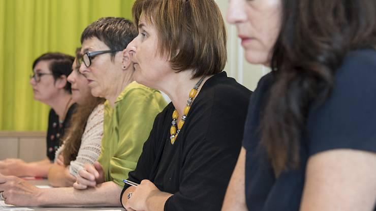 Die SP Frauen fordern Massnahmen gegen Gewalt an Frauen. Was in Genf passiert sei, sei nur die Spitze des Eisbergs, sagen sie.