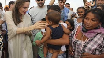 Die US-Schauspielerin und Uno-Sondergesandte Angelina Jolie hat das kolumbianische Grenzgebiet zu Venezuela besucht, um sich über die Lage der venezolanischen Flüchtlinge zu informieren.