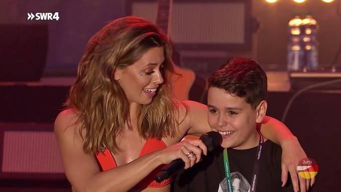 Vanessa Mai erfüllt Träume und singt mit Miguel