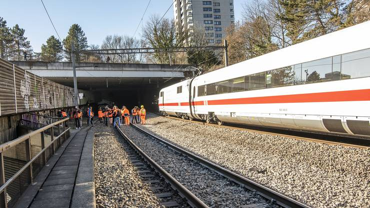 In Basel ist im Februar 2019 ein Intercity-Zug (ICE) der Deutschen Bahn (DB) entgleist.
