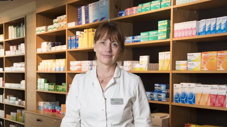 Die Apothekerin und FDP-Politikerin Martina Sigg in ihrer Apotheke in Schinznach-Dorf.