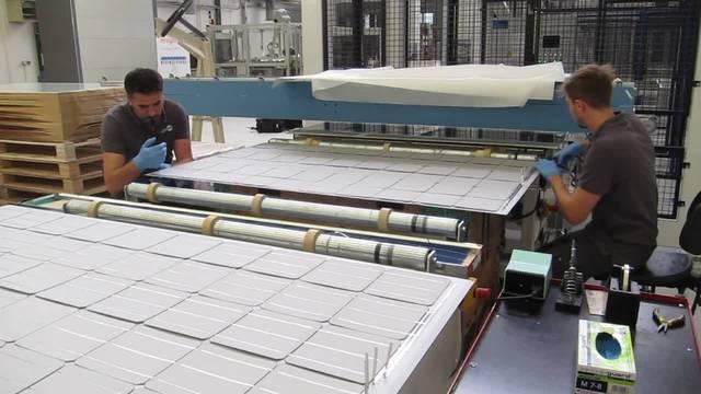 Megasol in Deitingen: Einblick in die grösste Solarmodul-Produktion der Schweiz