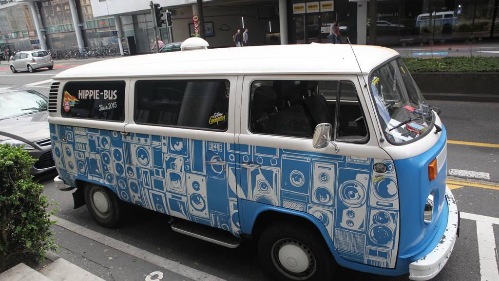 Bewirb dich für eine Fahrt mit dem Hippie-Bus