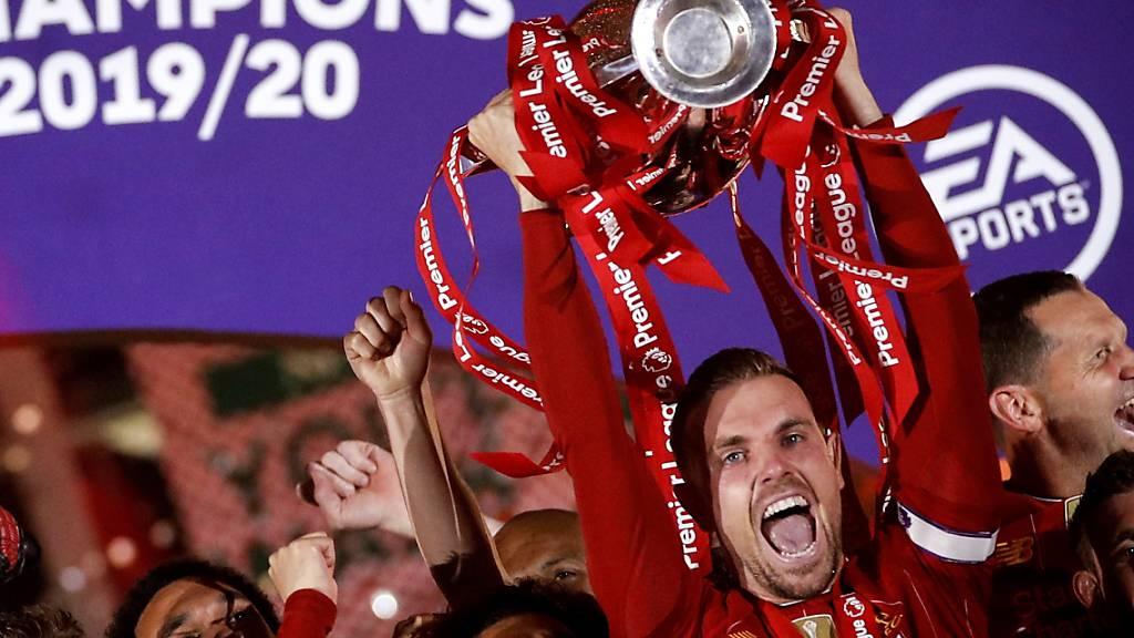 Liverpools Captain Jordan Henderson ist von den englischen Sportjournalisten zum Spieler des Jahres gewählt worden