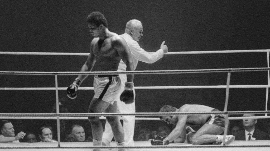 Muhammad Ali boxte am 26. Dezember 1971 im Zürcher Hallenstadion gegen den Deutschen Jürgen Blin