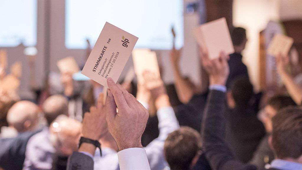 Eine Mehrheit der GLP-Delegierten waren am Samstag in Sursee der Ansicht, dass die kritischen Punkte überwiegen: Sie lehnt das Gesetz zur Überwachung von Sozialversicherten ab.