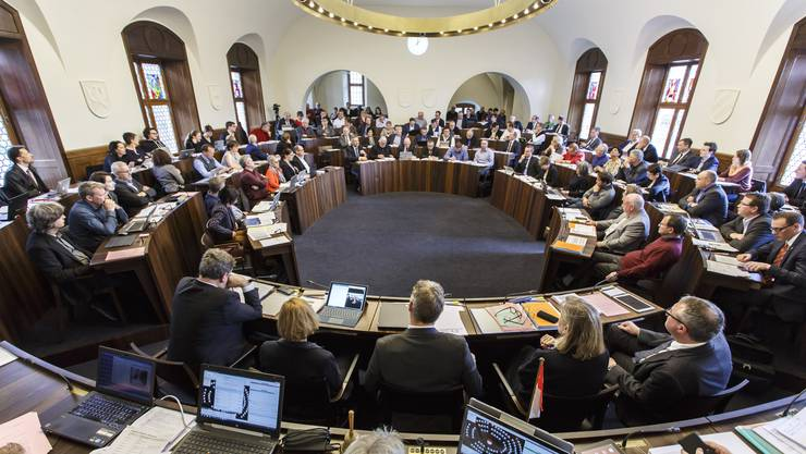 Der Kantonsratssaal bietet genug Platz für den nötigen Sicherheitsabstand.