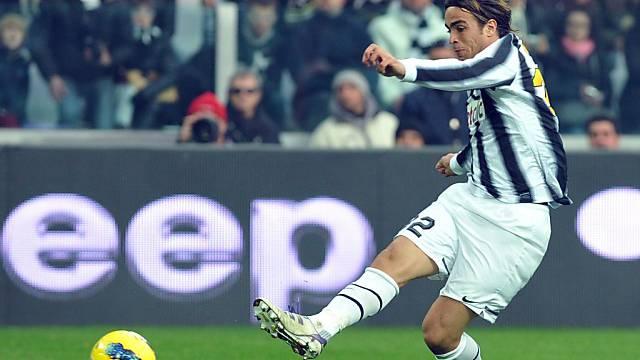 Juventus-Stürmer Alessandro Matri nimmt Mass