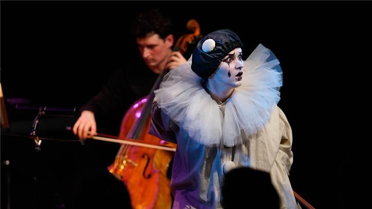 Patricia Kopatchinskaja hatte den «Pierrot» mehrmals als Geigerin gespielt. Nun schlüpft sie selbst in die Rolle. HO
