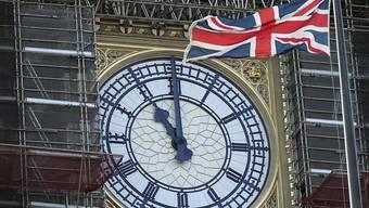 Trotz Restaurierungsarbeiten: Der berühmte Glockenschlag von Big Ben soll auch dieses Mal wieder das neue Jahr in London einläuten.