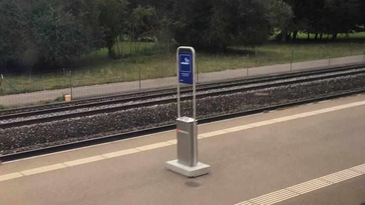 Und so sieht beispielsweise eine der Aschenbecher-Stelen am Dietiker Bahnhof Glanzenberg aus.