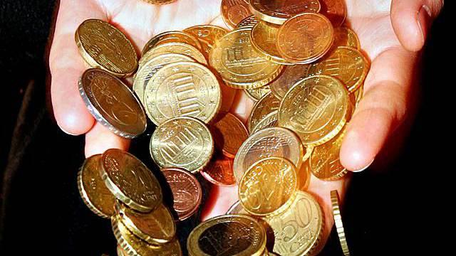 Schweizer protitieren wenig vom freien Fall des Euros (Symbolbild)