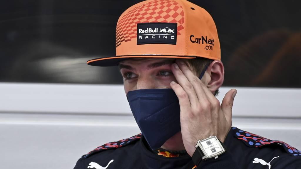 Mercedes-Duo vor Verstappen am ersten Trainingstag