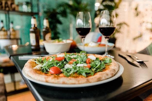 Lucchi's Pizzafans können seine Kreationen weiterhin in der Zone 11 geniessen.