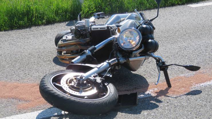 Das demolierte Motorrad.