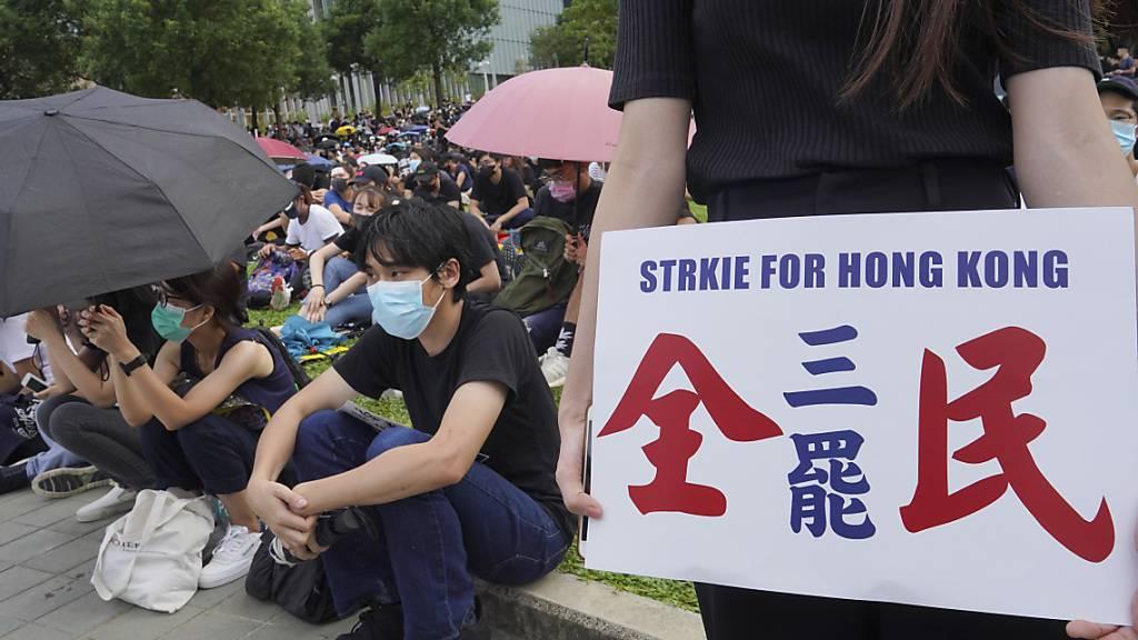 Hongkongs Wirtschaft bricht ein
