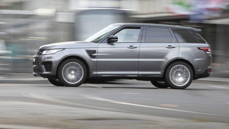 Wer ein Auto kauft, soll dank einer verbesserten Energieetikette einen informierten Entscheid treffen können. Die neuen Regeln für die Etikette gelten ab nächstem Jahr. (Themenbild)