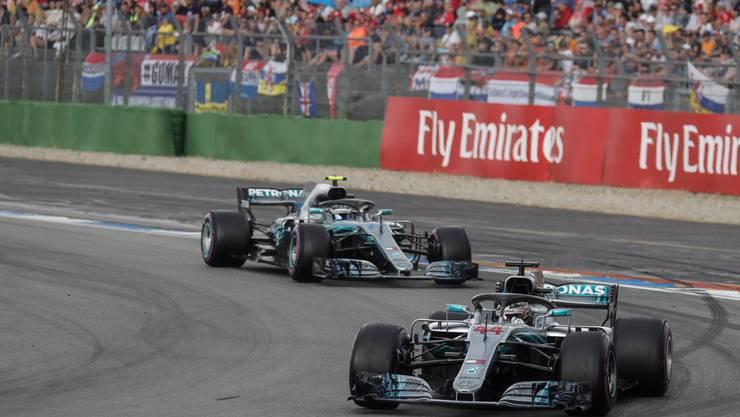 Sind die Favoriten auf den WM-Titel: Mercedes mit Lewis Hamilton (35 Jahre alt, Grossbritannien) und Valtteri Bottas (30, Finnland).