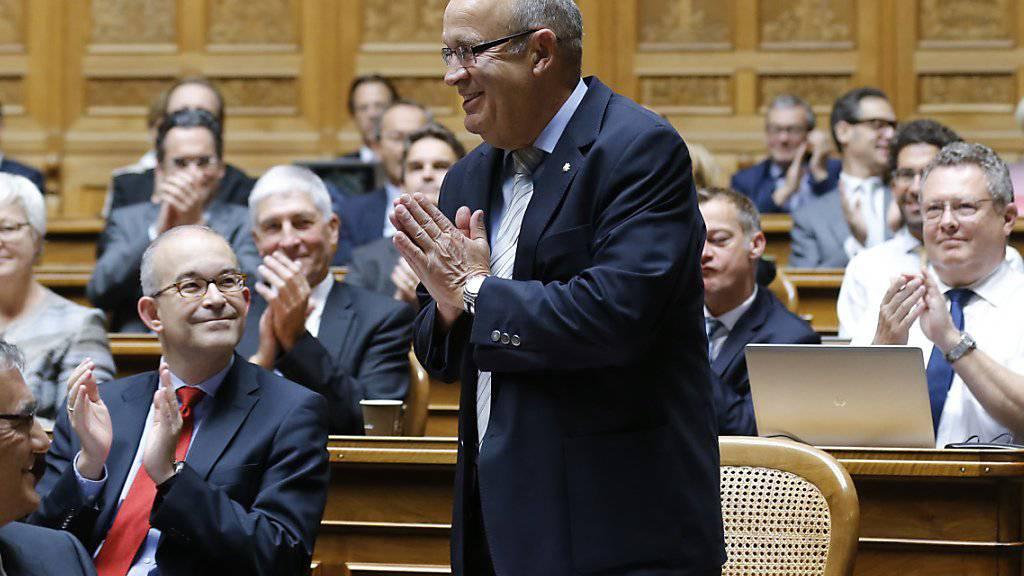 Der Baselbieter SVP-Nationalrat Christian Miesch 2015 bei seinem Abschied aus dem Parlament. Nun soll die Bundesanwaltschaft gegen ihn ermitteln. (Archivbild)