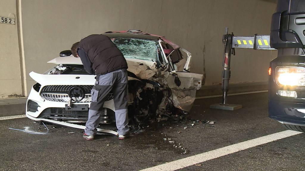 Rapperswil-Jona: Frontalkollision in Tunnel fordert drei Verletzte