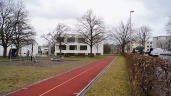 Auf dem Dietiker Schulareal Steinmürli soll für rund 5 Millionen Franken ein provisorischer Schulpavillon gebaut werden.