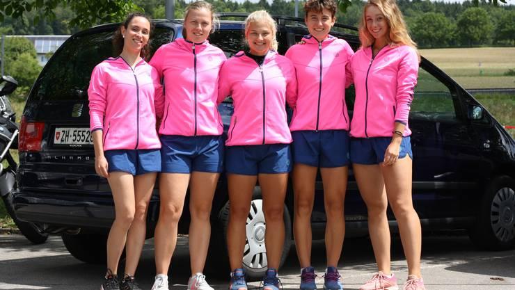 Die erste Damenmannschaft des TC Weihermatt fuhr gemeinsam nach Chiasso: Isabella Bellotti, Lena Rüffer, Jenny Dürst, Fiona Ganz und Valentina Ryser. Es fehlen: Julia Grabher und Anastasia Zarycka.