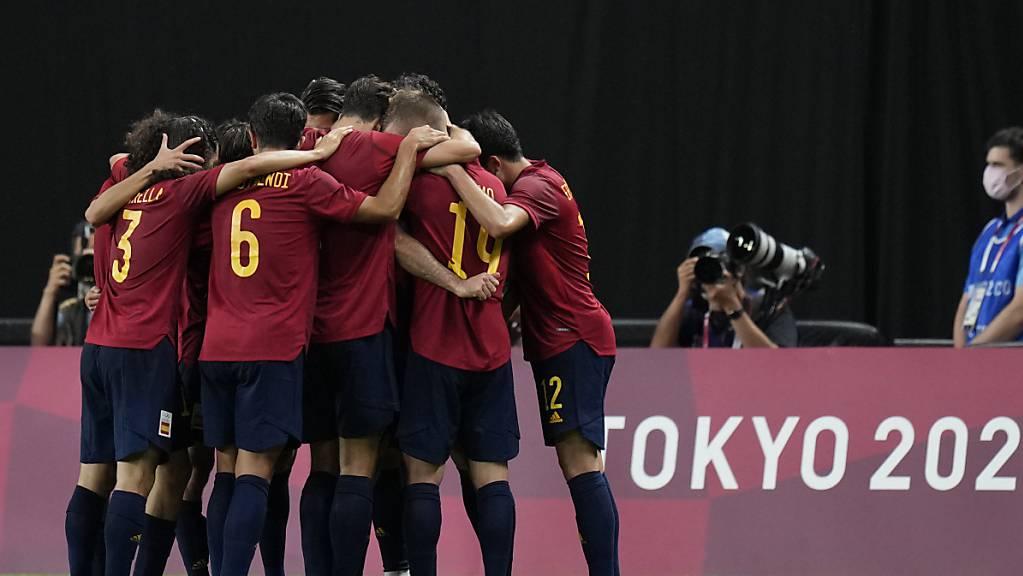 Spaniens Olympia-Fussballer jubeln über den Halbfinal-Einzug