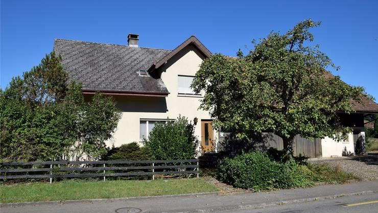 Das Stimmvolk sagt Ja zum Kauf dieses Hauses. Es soll Asylsuchenden Unterkunft bieten.