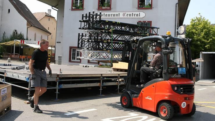 Seit Montag wird in Frenkendorf für den Donnschtigsjass aufgebaut.