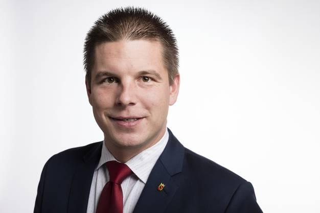 Der SVP-Politiker ist ein Unikat. Erich Hess sitzt in den Parlamenten der Stadt Bern, des Kantons Bern und im Nationalrat. Er dürfte sein Mandat verteidigen, weil Adrian Amstutz zurücktritt.
