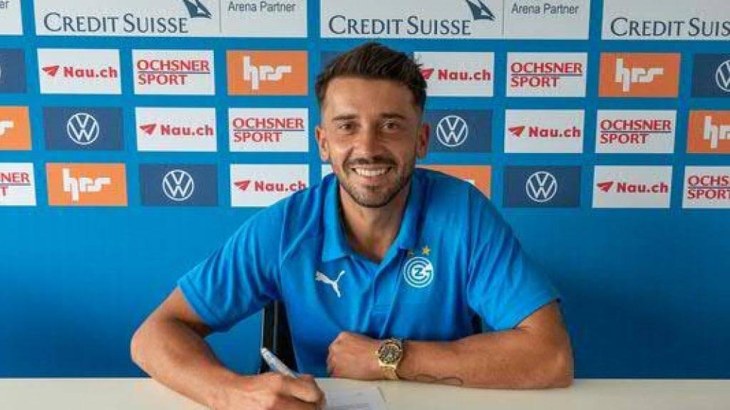 Cristian Ponde unterschreibt auf dem GC-Campus in Niederhasli für ein Jahr