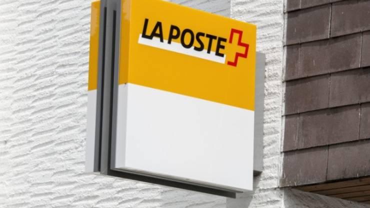 Poststellen sind für 97 Prozent der Bevölkerung innerhalb von 30 Minuten zu Fuss oder mit öffentlichen Verkehrsmitteln erreichbar. (Archivbild)