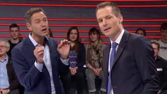 """Historiker Daniele Ganser und Moderator Jonas Projer während der SRF-Sendung """"Arena"""" zum Thema """"Trumps Krieg gegen die Medien"""", nach der es knapp 500 Beanstandungen hagelte: Der Ombudsmann hielt danach fest, dass das Sachgerechtigkeitsgebot in drei Punkten verletzt worden sei. (Archivbild)"""