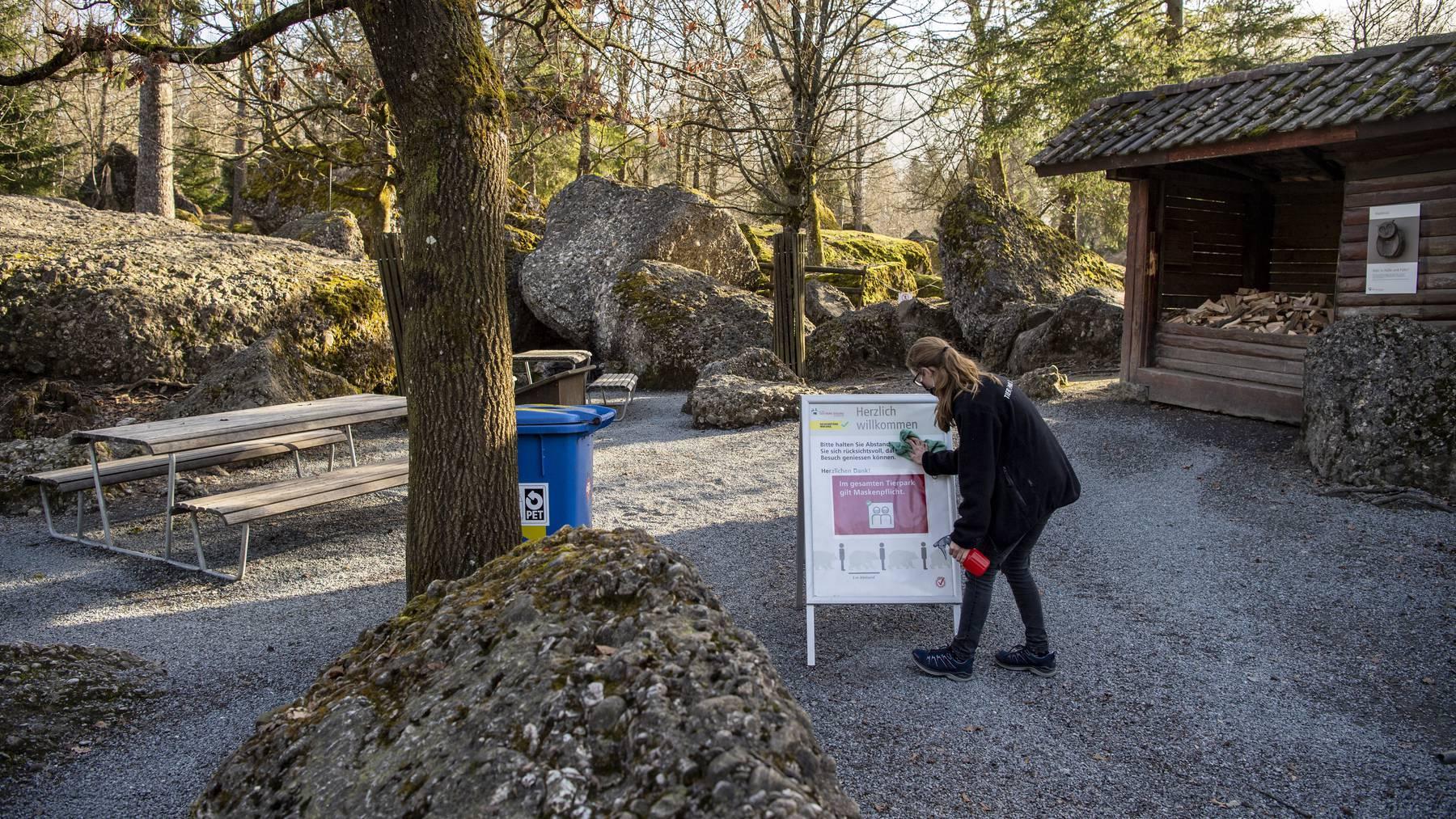 Die Vorbereitungen auf die Wiedereroeffnung des Tierpark Goldau laufen am Donnerstag, 25. Februar 2021 auf Hochtouren. Der Tierpark Goldau ist ab Montag, 1. Maerz 2021 wieder fuer die Besucher geoeffnet.