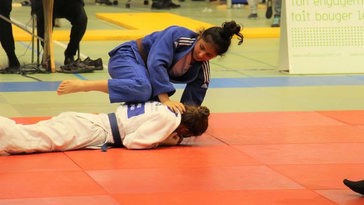 Yasmin Abbani holte neben Gold in der Kategorie U21 auch noch Bronze in der Kategorie Jugend (U18) bis 52kg.