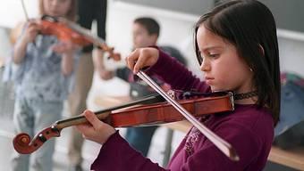 Die Reglemente zur Musikschule in Aarau und Buchs werden wegen der Kreisschule angepasst. (Symbolbild)