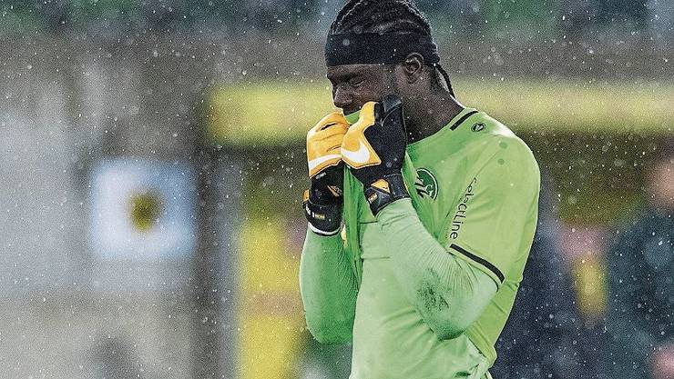 Enttäuscht: St.Gallens Goalie Lawrence Ati Zigi.