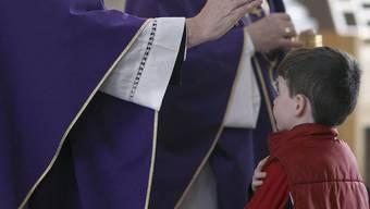 Zwei weitere Fälle von Missbrauch durch Priester in den Kantonen Waadt und Genf (Symbolbild)