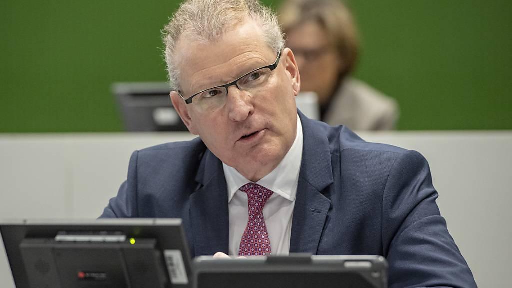 Der Zuger Finanzdirektor Heinz Tännler (SVP) erhielt erneut viel Lob vom Parlament für den positiven Abschluss. (Archivbild)